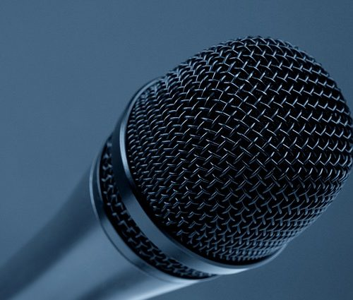 microphone-298587_640